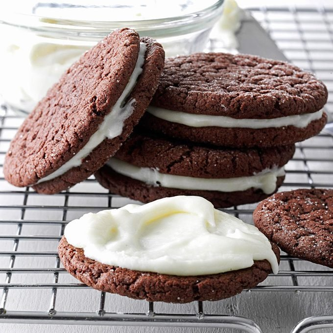 Peppermint Patty Sandwich Cookies Exps167702 Th132104d06 21 1bc Rms 2