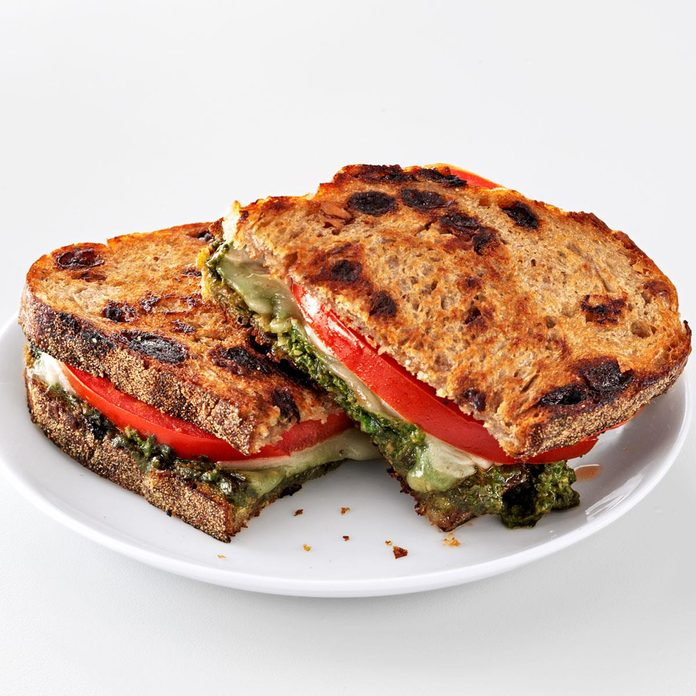 Pesto Grilled Cheese Sandwiches Exps128642 Th2379800c05 02 7b Rms 4