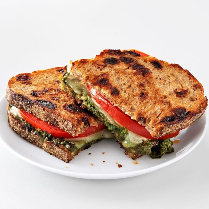Pesto Grilled Cheese Sandwiches Exps128642 Th2379800c05 02 7b Rms 5