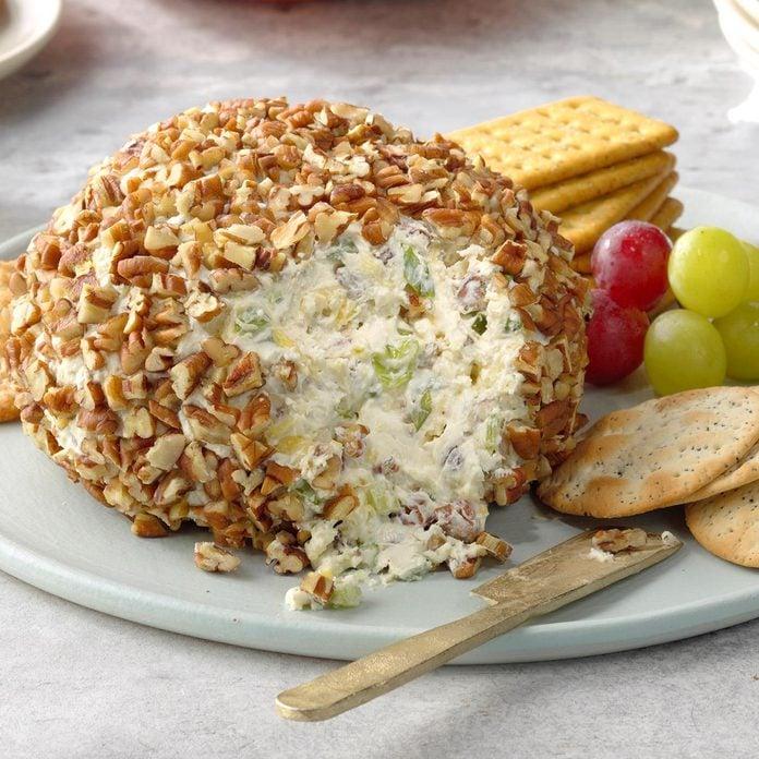 Pineapple Pecan Cheese Ball Exps Tohcom19 3258 B10 01 3b 3