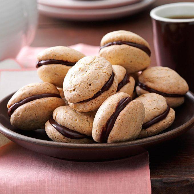 Pistachio Chocolate Macarons Exps50600 Cc2860595b05 14 3bc Rms 4