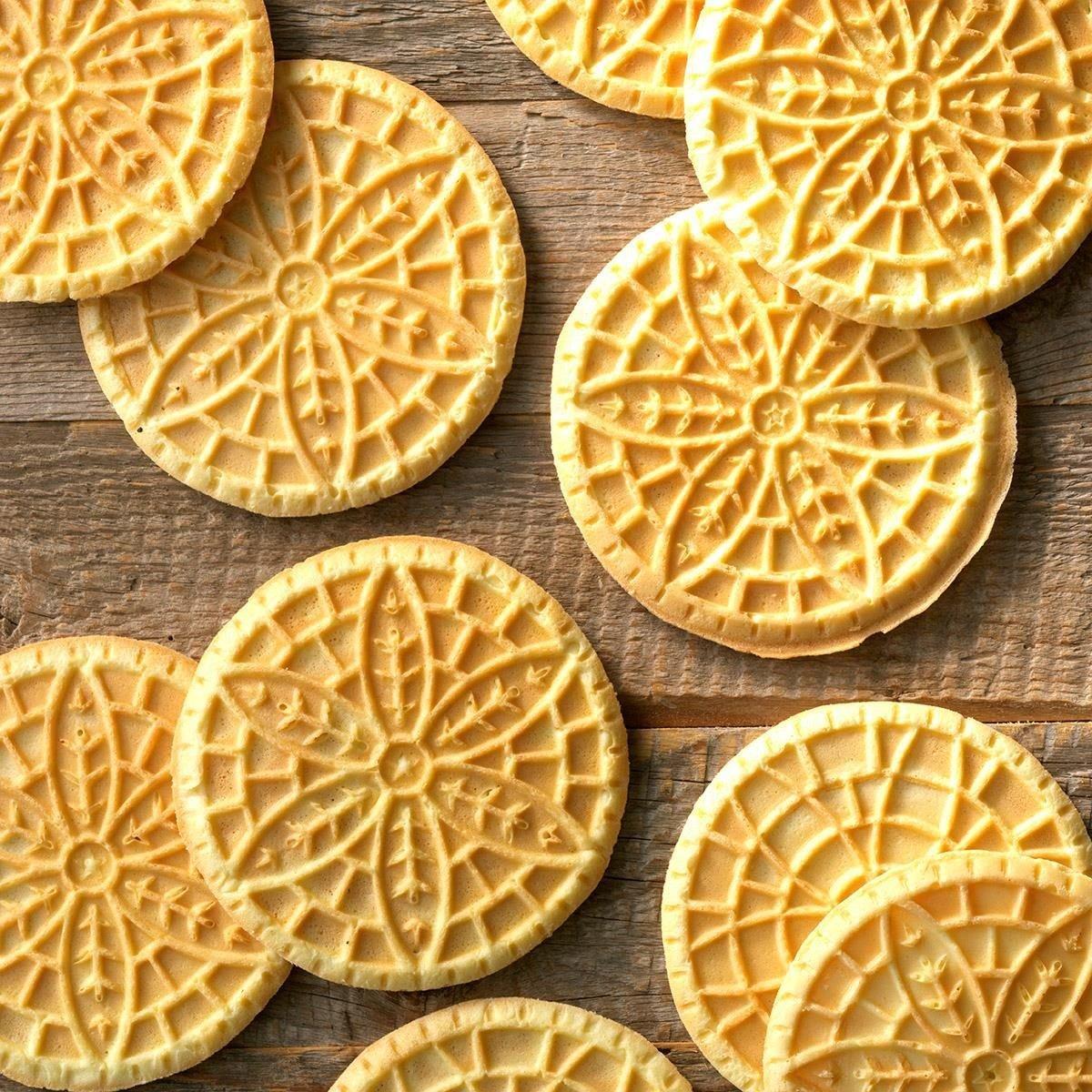 24 Traditional Italian Christmas Cookies