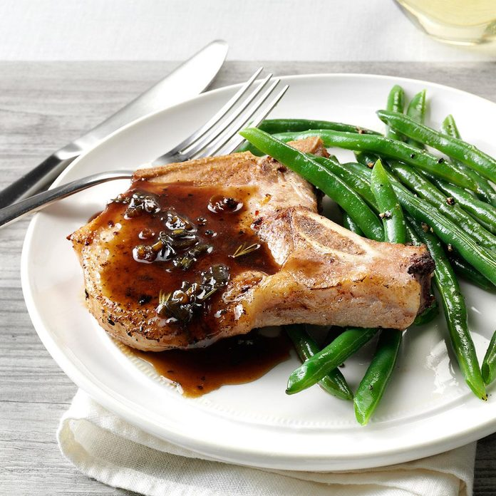 Pork Chops With Honey Balsamic Glaze Exps160443 Th2379807a11 01 1bc Rms 4