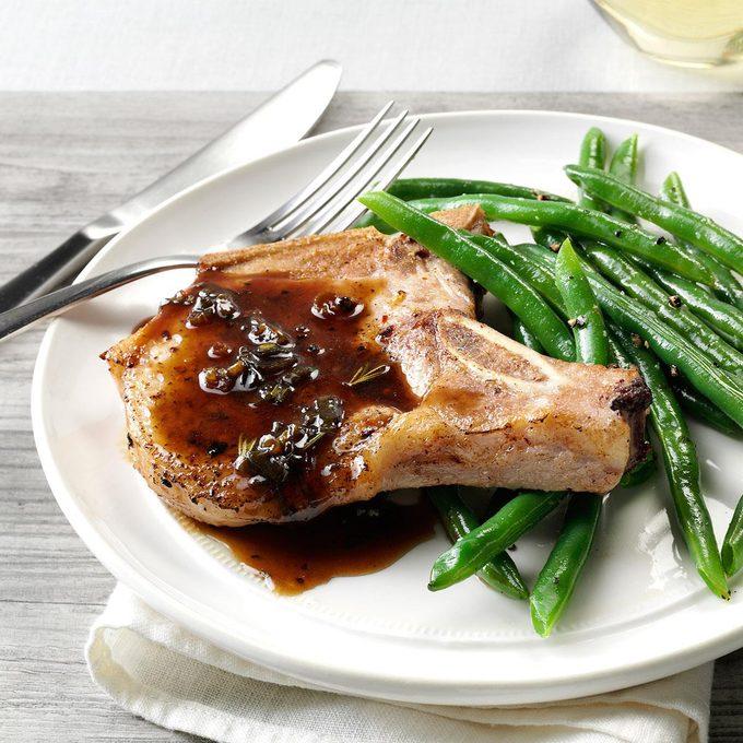 Pork Chops With Honey Balsamic Glaze Exps160443 Th2379807a11 01 1bc Rms 7