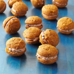 Pumpkin-Chocolate Whoopie Cookies