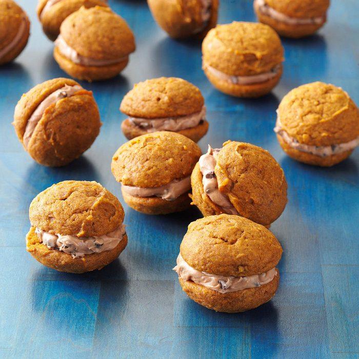 Pumpkin-Chocolate Whoopie Cookies