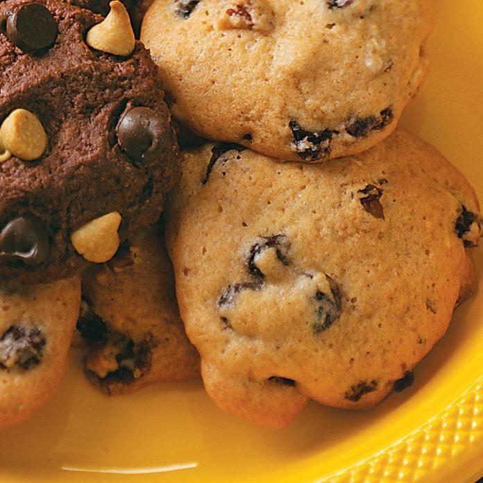 Raisin Cake Cookies