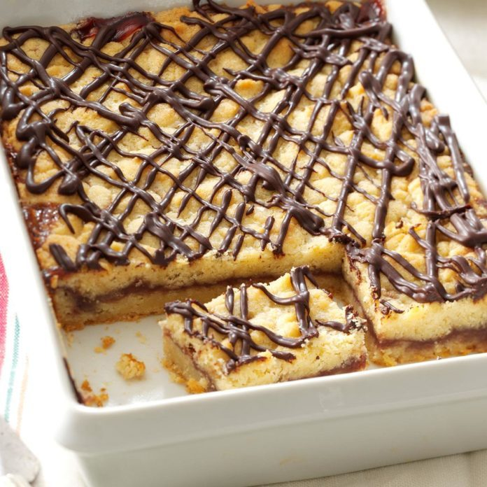 Raspberry & Chocolate Shortbread Bars