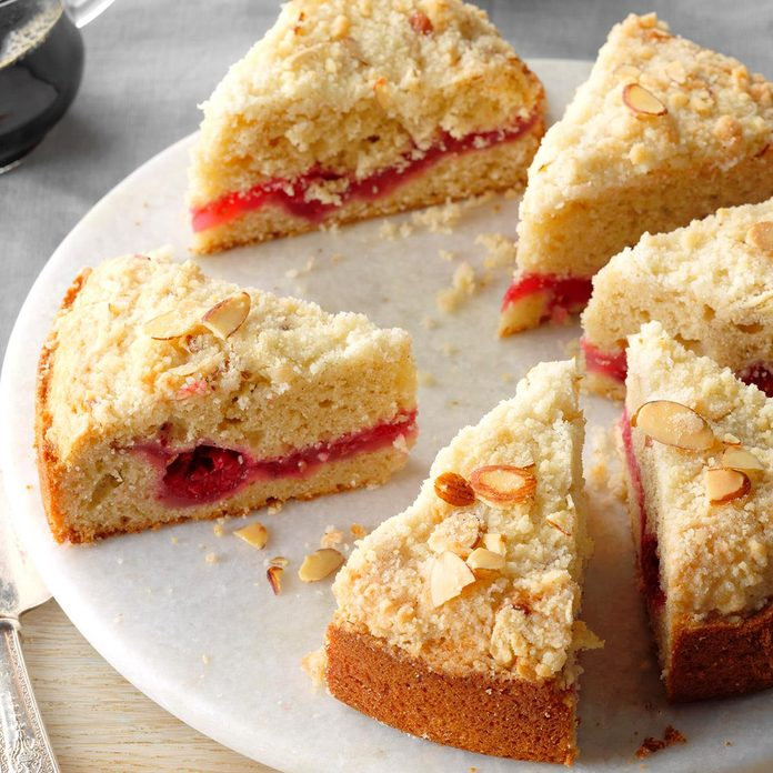 Raspberry Crumble Coffee Cake Exps Bmz18 2962 B12 15 3b 3