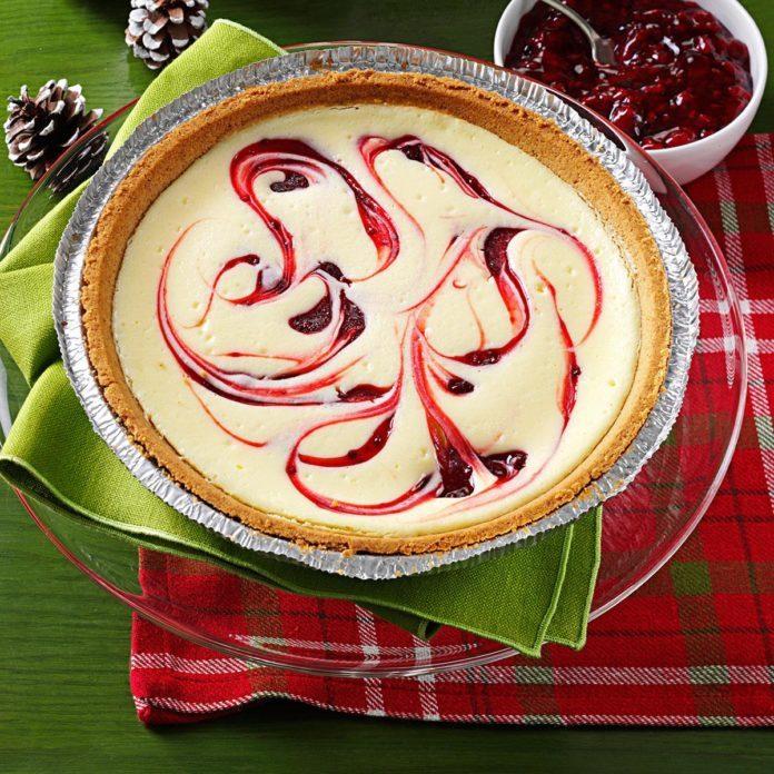 Raspberry Swirled Cheesecake Pie