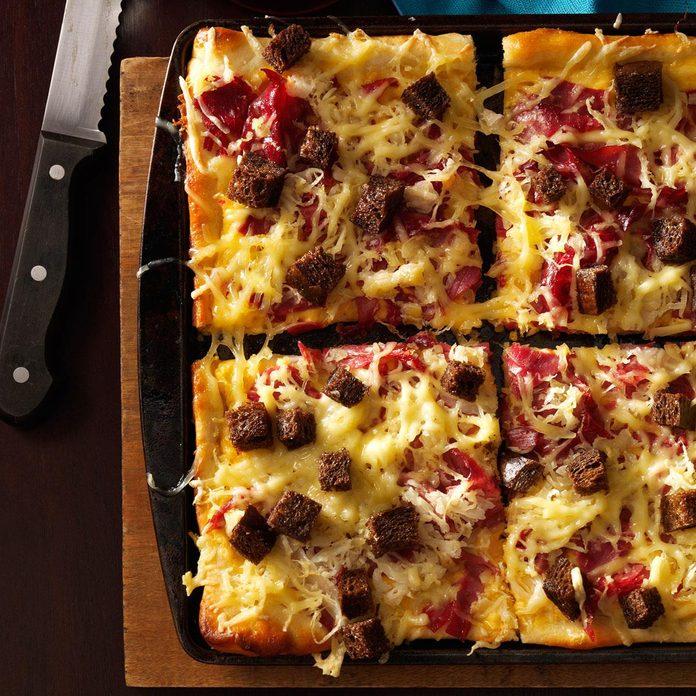 Make: Reuben-Style Pizza