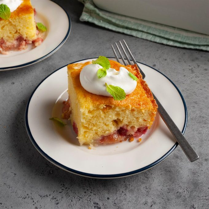 Rhubarb Custard Cake Exps Ft20 12577 F 0624 1 2