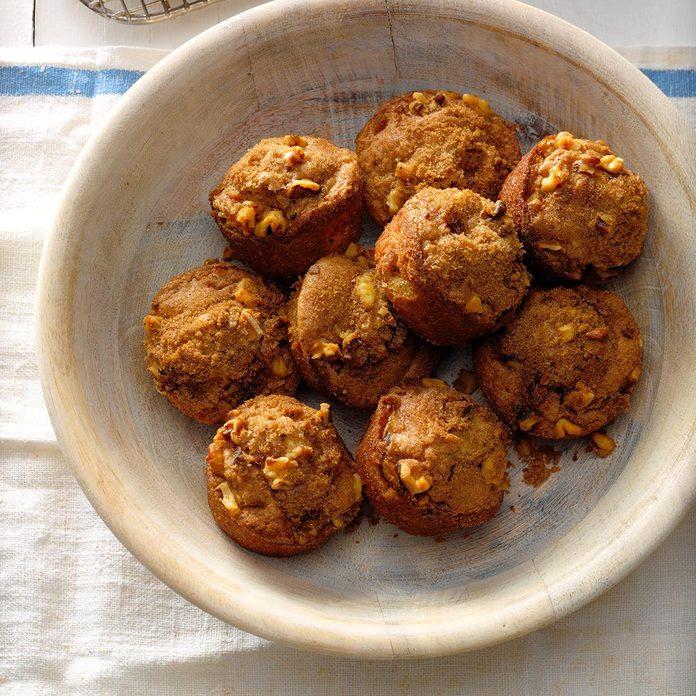 Rhubarb Nut Muffins Exps Cwam18 1555 B12 13 2b 4