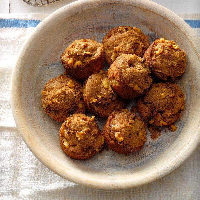 Rhubarb Nut Muffins