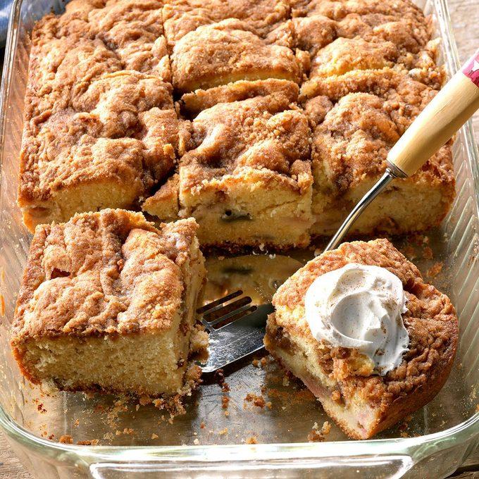 Rhubarb Sour Cream Coffee Cake Exps Tham18 31907 D11 09 5b 6