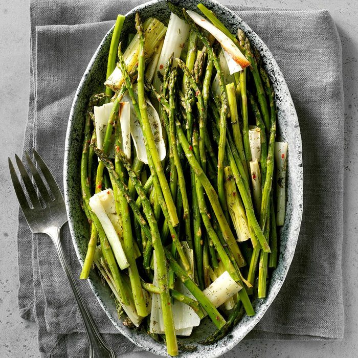 Roasted Asparagus And Leeks Exps Ft19 41058 C03 13 8b Rms