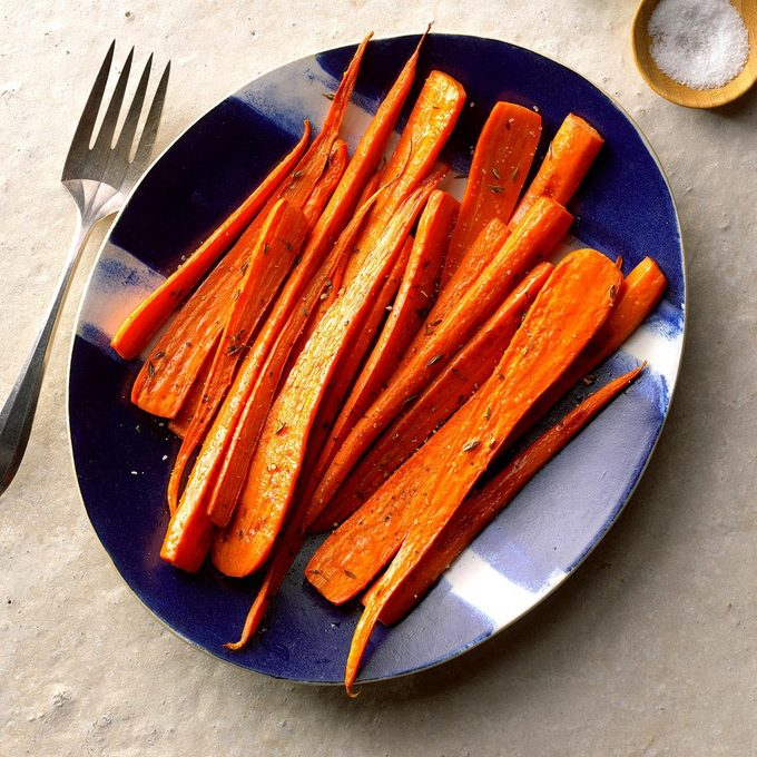 Roasted Carrots With Thyme Exps Sscbz18 178887 B08 30 1b 2
