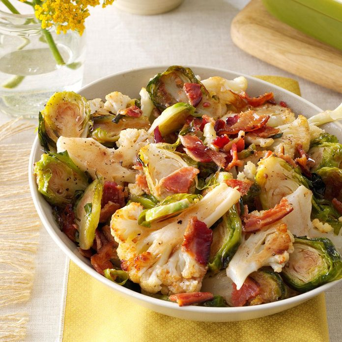 Roasted Cauliflower Brussels Sprouts With Bacon Exps89821 Sd132779c06 11 4bc Rms 4