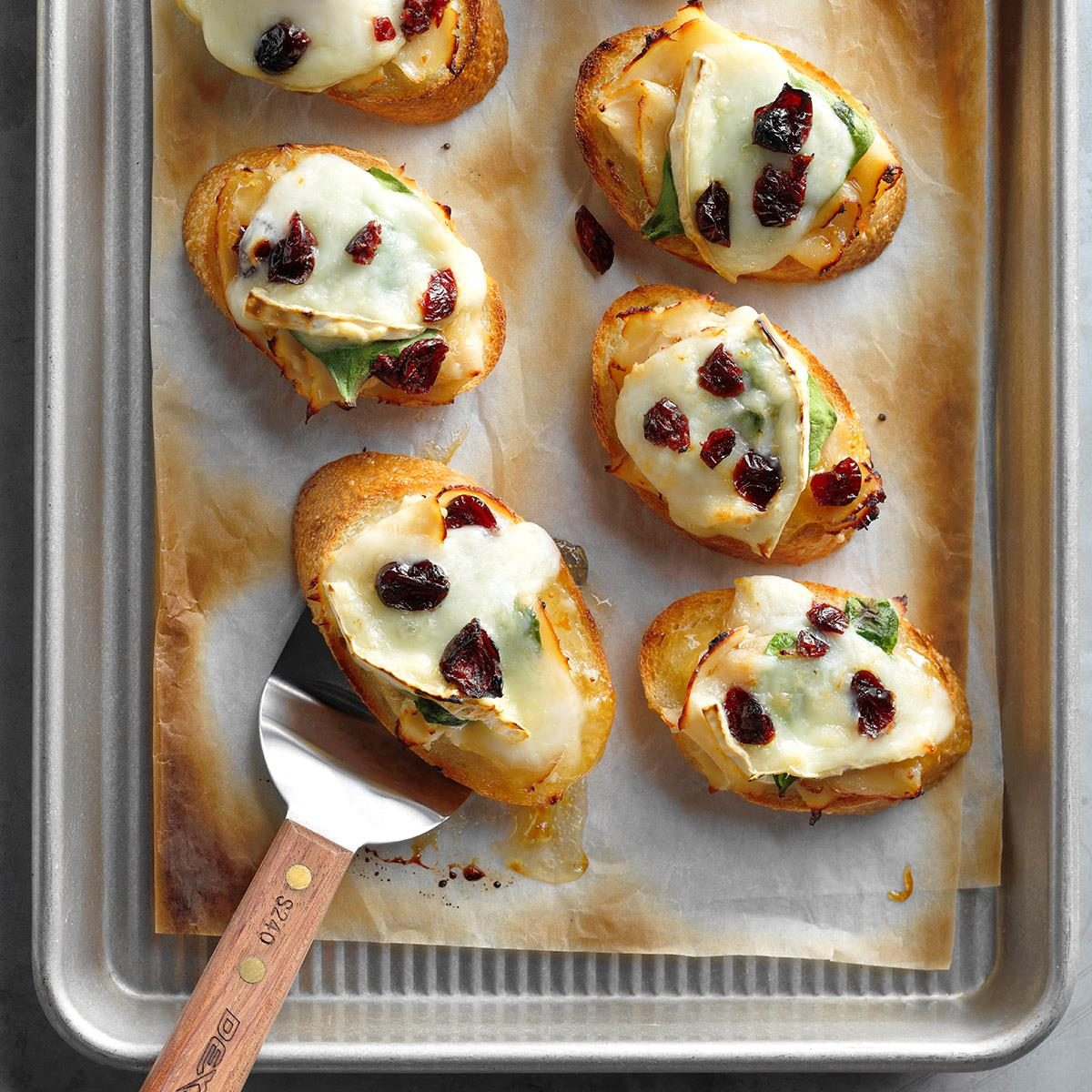 Roasted Chicken and Brie Holly Mini Bites