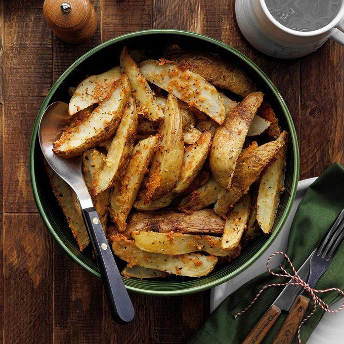 Roasted Parmesan Potato Wedges Exps Tohdj22 27564 B08 04 7b V2