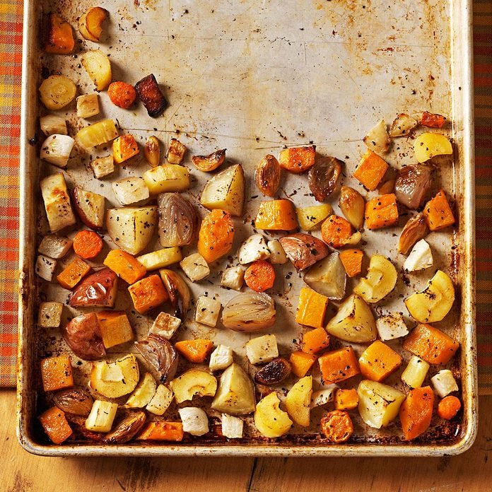 Roasted Winter Vegetables Exps54778 Sd2235819a06 23 1bc Rms 3