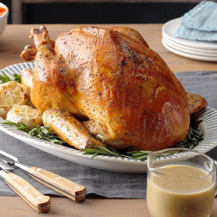 Rosemary Roasted Turkey Exps Tohca20 98687 E10 17 3b 4