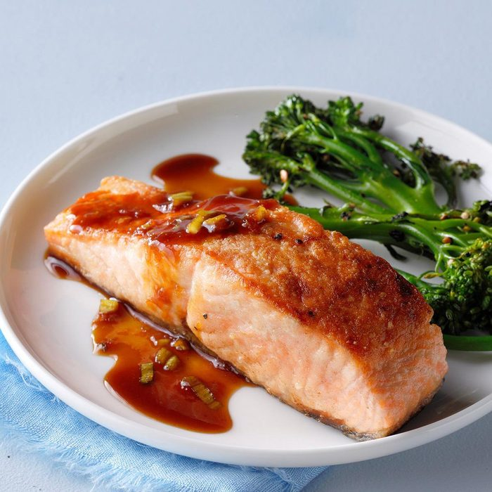 Salmon Supreme With Ginger Soy Sauce Exps Thd18 42076 B08 02 8b