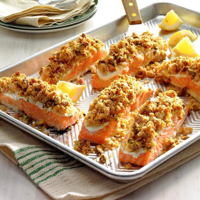 Salmon With Horseradish Pistachio Crust Exps Thn17 203838 B06 21 1b 3