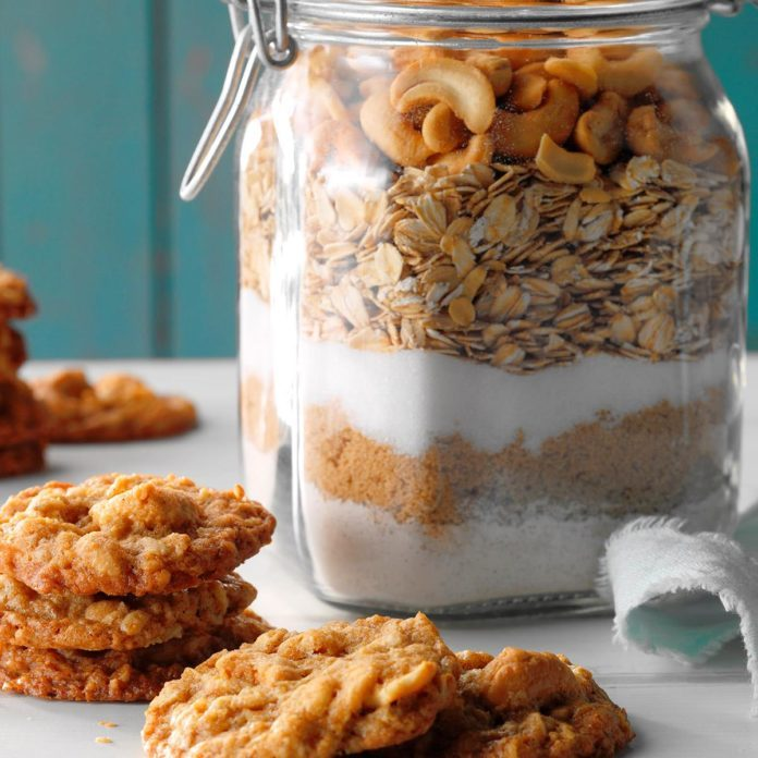 Salted Cashew Oatmeal Cookies