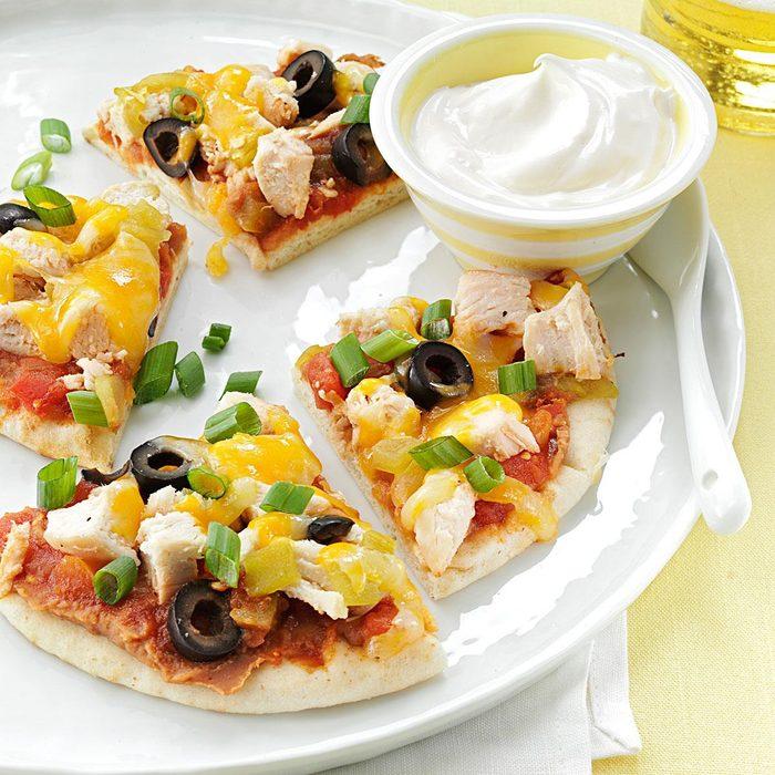 Santa Fe Chicken Pita Pizzas