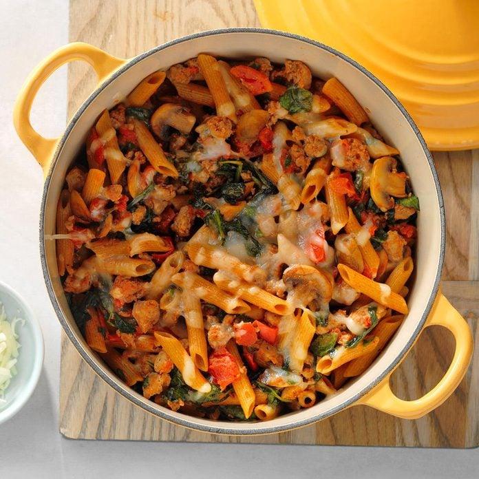 Sausage Pasta With Vegetables Exps Sdam18 58342 D12 06 6b 3
