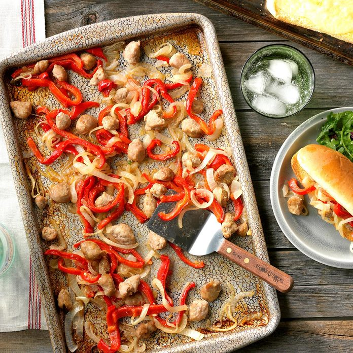 Sausage And Pepper Sheet Pan Sandwiches Exps Thfm18 207720 D09 14 4b 7
