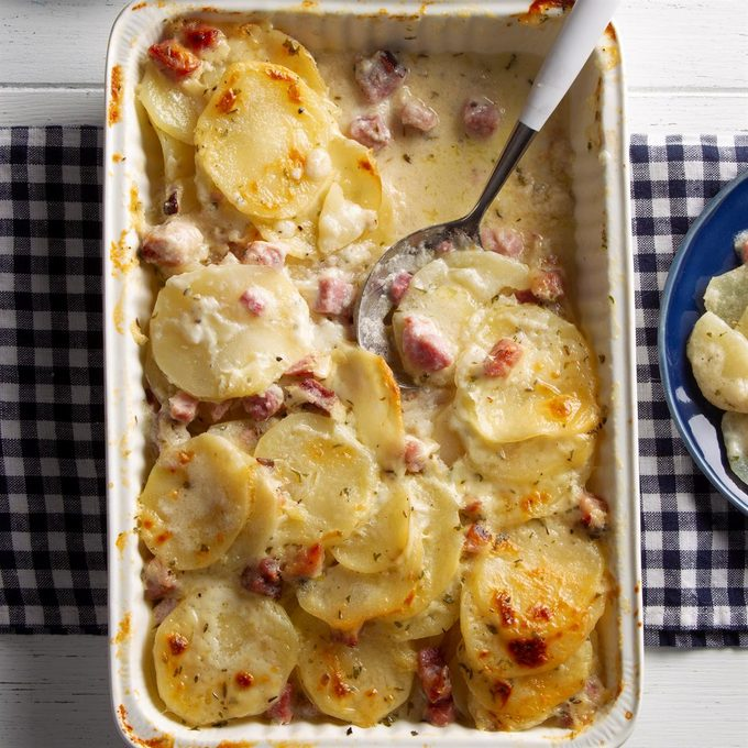Scalloped Potatoes With Ham Exps Ft21 10277 F 0216 1 4