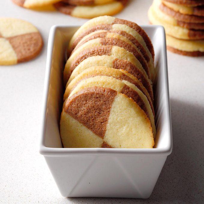 Semisweet Chocolate Pinwheel Cookies Exps Ucsbz17 34521 B06 06 6b 7