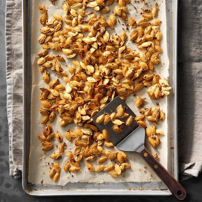 Sesame Garlic Pumpkin Seeds Exps Pcbbz19 179413 E09 21 4b