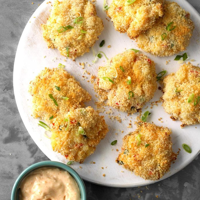 Shrimp Cakes with Spicy Aioli Sauce