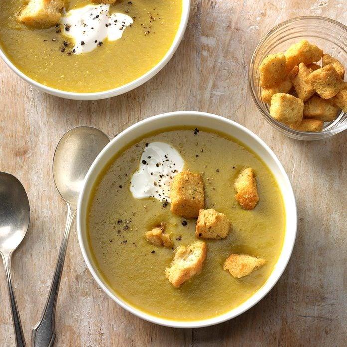 Simple Asparagus Soup Exps Hck17 125637 B08 26 1b 1
