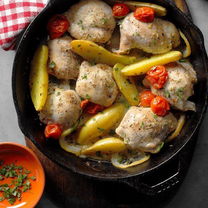 Skillet Roasted Lemon Chicken With Potatoes Exps Cimz17 98413 B07 14 5b 13