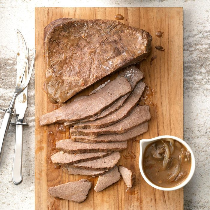 Slow Cooked Beef Brisket Exps Sscbz18 33491 C08 28 4b 4