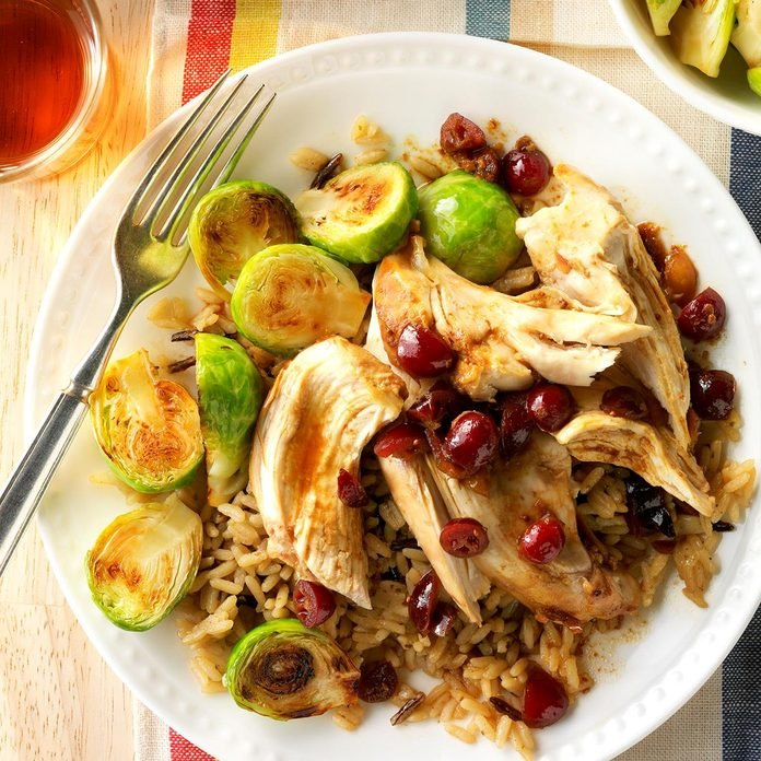 Slow Cooked Cranberry Chicken Exps Edsc17 79234 D03 10 4b 3