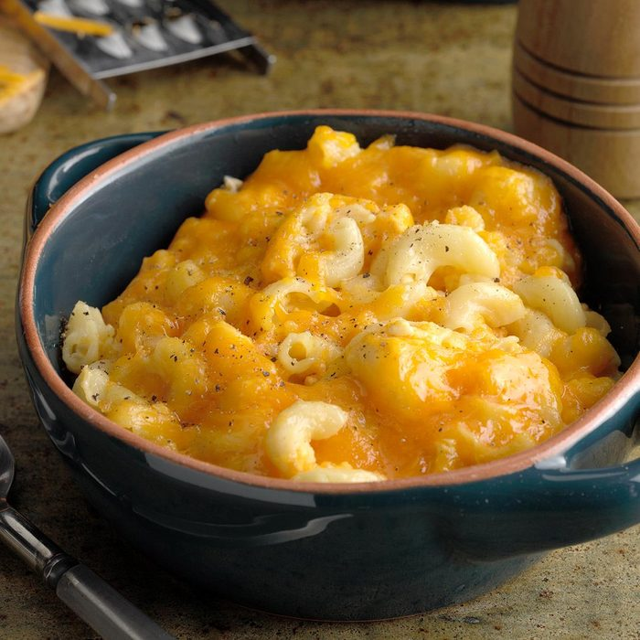 Slow Cooked Mac N Cheese Exps Hscbz19 33527 B07 18 5b