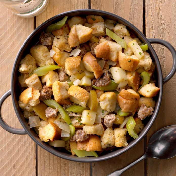 Slow-Cooked Sausage Dressing
