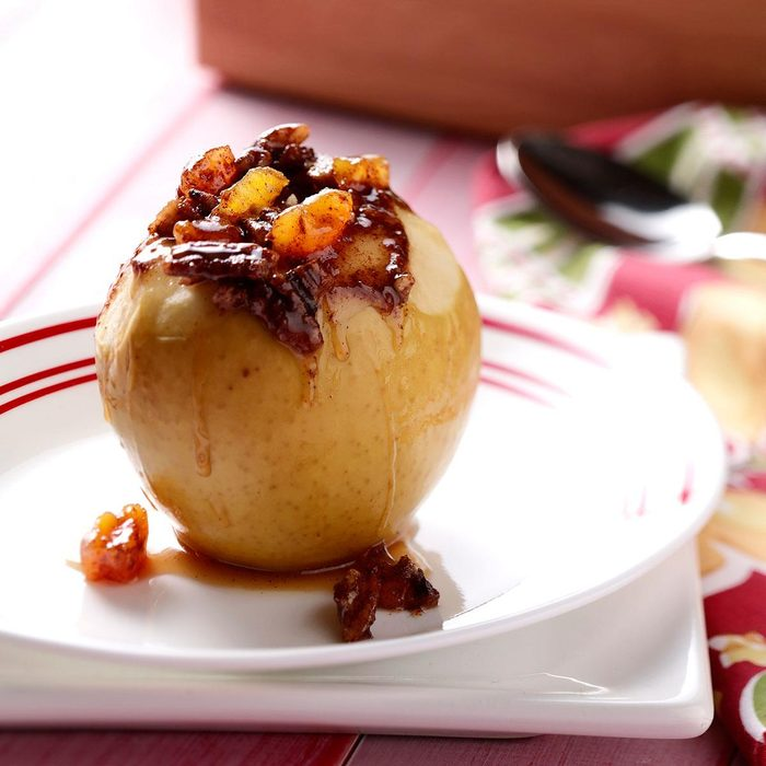 Slow-Cooked Stuffed Apples