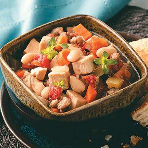 Slow-Cooked Turkey White Bean Soup