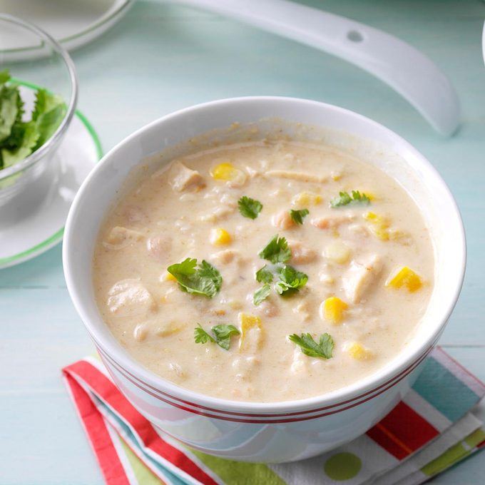 Slow Cooked White Bean Chili Exps Hca17 48040 B12 15 3b