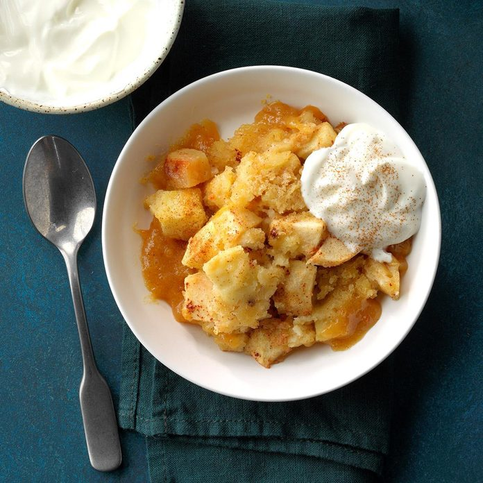 Slow Cooker Apple Pudding Cake Exps Scbz18 86585 E07 27 4b 2