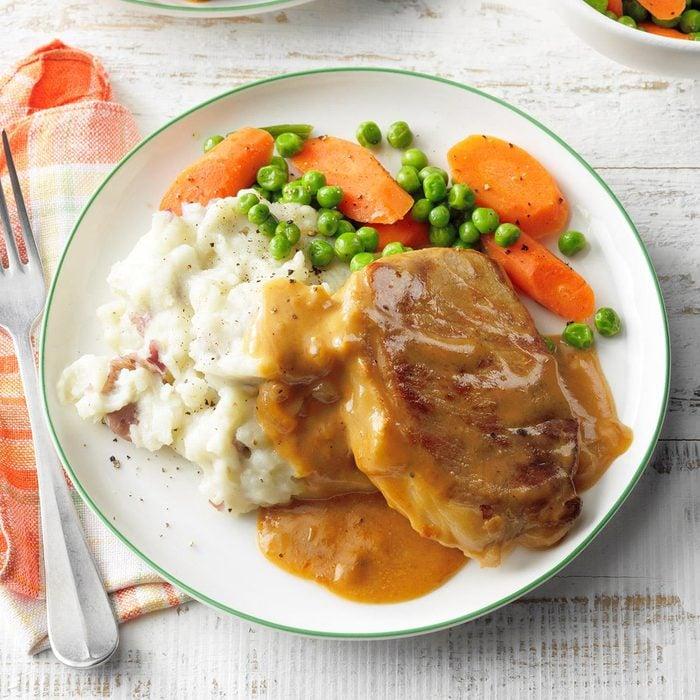Slow-Cooker Saucy Pork Chops
