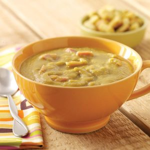 Slow Cooker Split Pea Soup with Ham Hocks