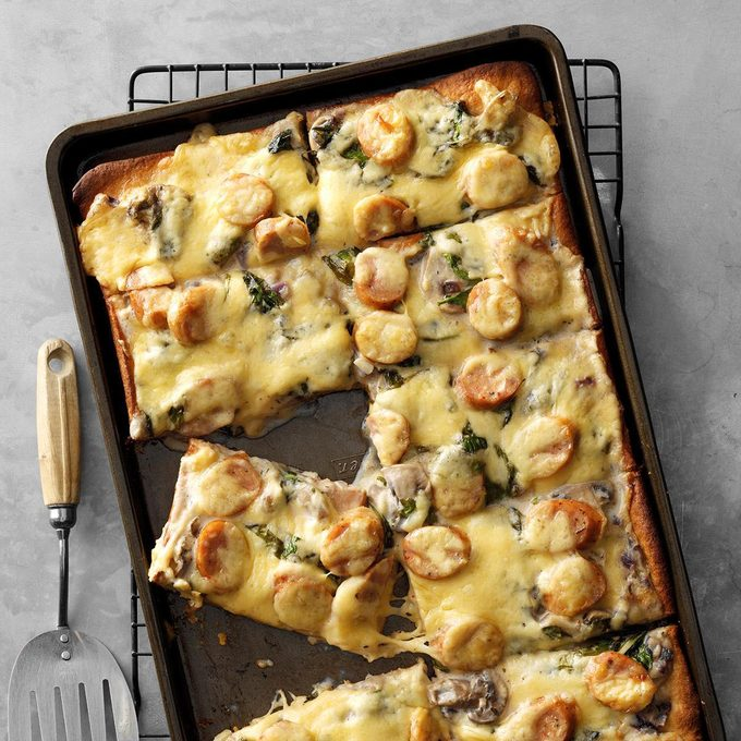 Smoked Gouda Spinach Pizza Exps Chmz19 42931 B10 30 4b 3