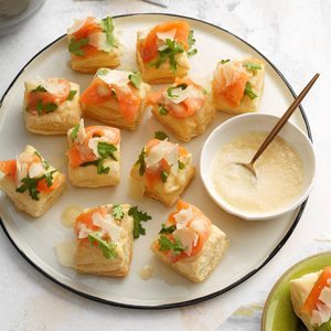 Smoked Salmon Bites with Shallot Sauce